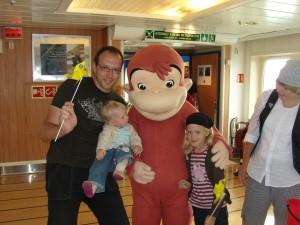 Toby mit seinen Töchtern und Coco